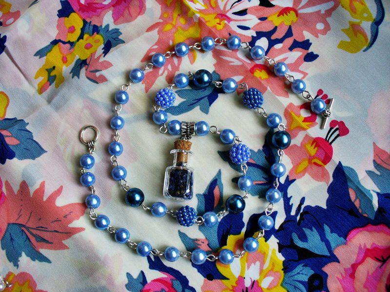 ромашки мускари лавкалисицы волшебнаябаночка handmade синий бусы ручнаяработа белый кулон сухоцветы