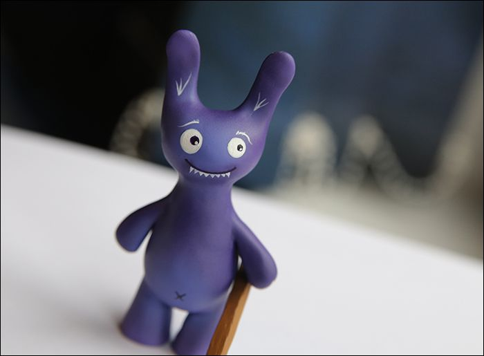 топор зайчик фиолетовый заяц