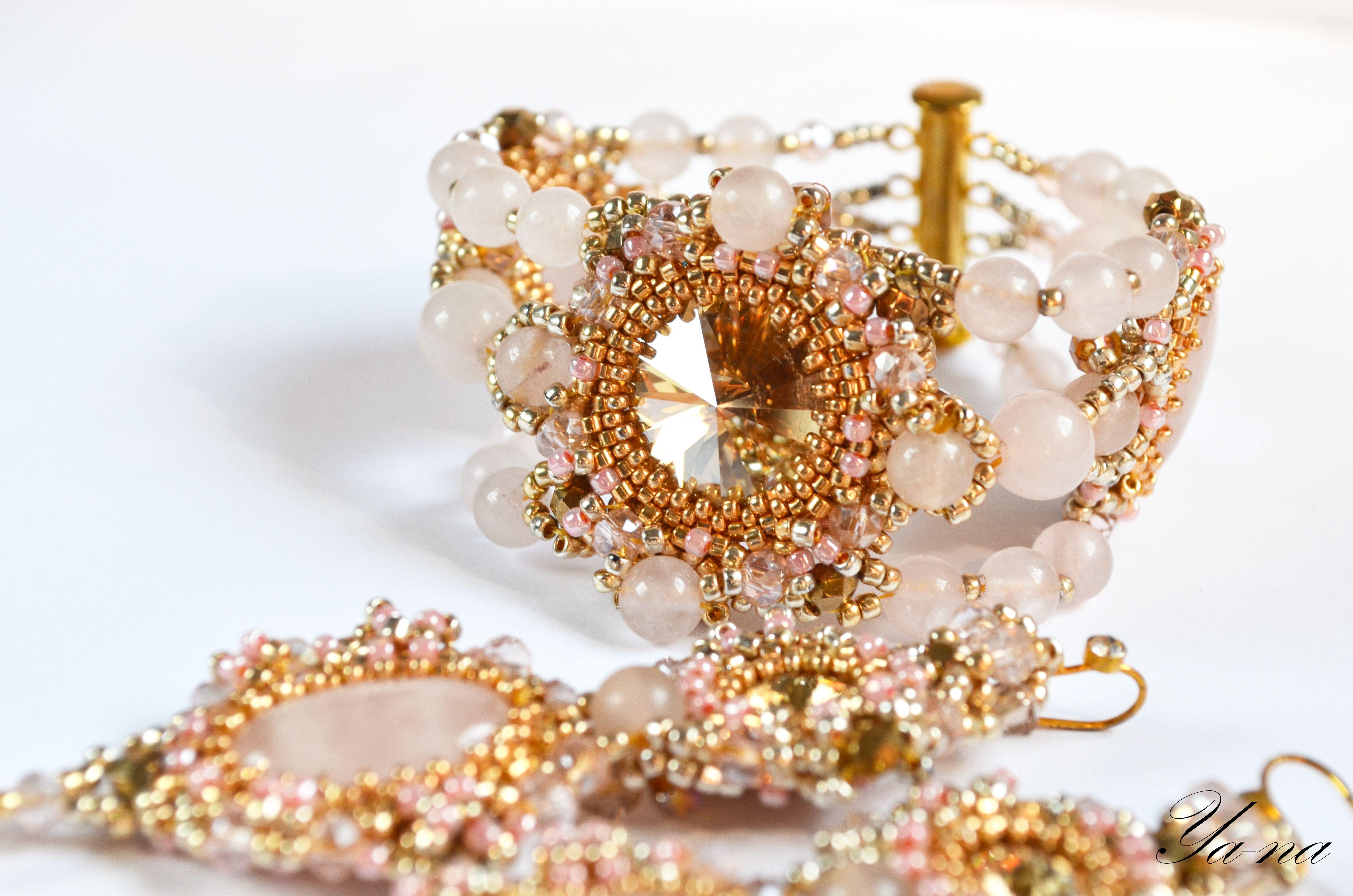 ручнаяработа бисероплетение подарок браслет серьги длядевушки розовый розовыйкварц золотой бусины серьгиизбисера купитьподарок золотистый новосибирск длялюбимой брошьскварцем нежнорозовый бисерныесерьги серьгискварцем кольцоскварцем