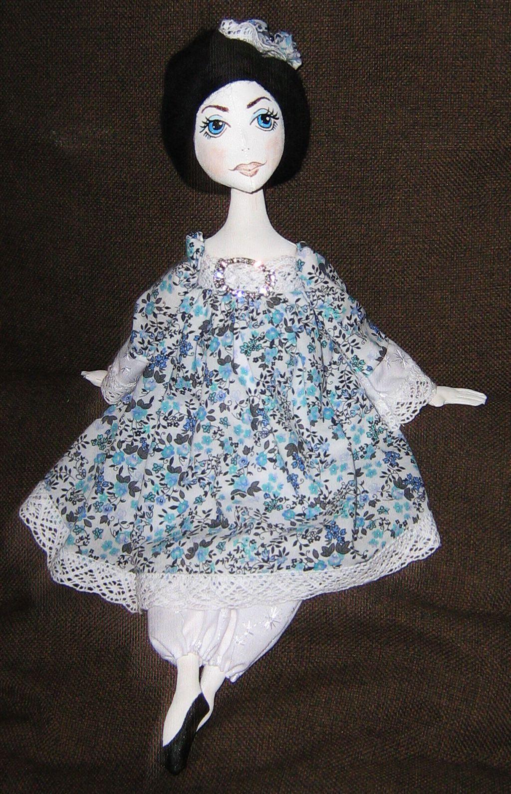 голубое кружево кукла работа ручная платье белое будуарная подарок текстильная