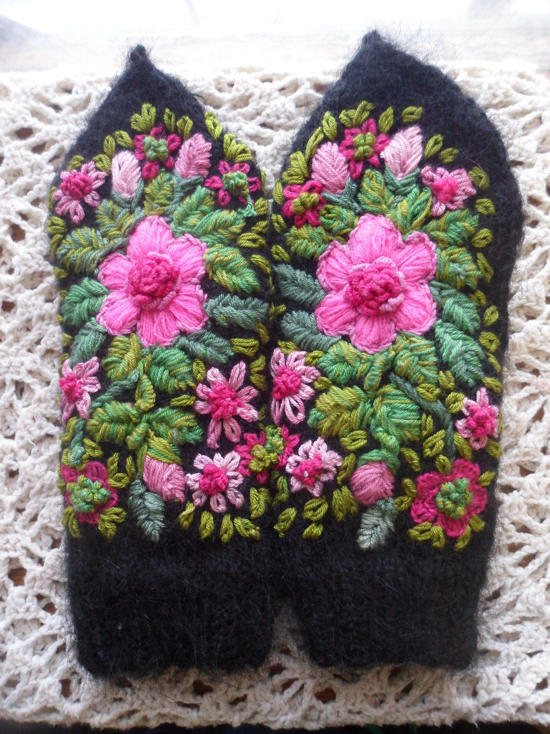 вязание зима фольклорныйстиль вышивка аксессуары варежки назаказ подарки