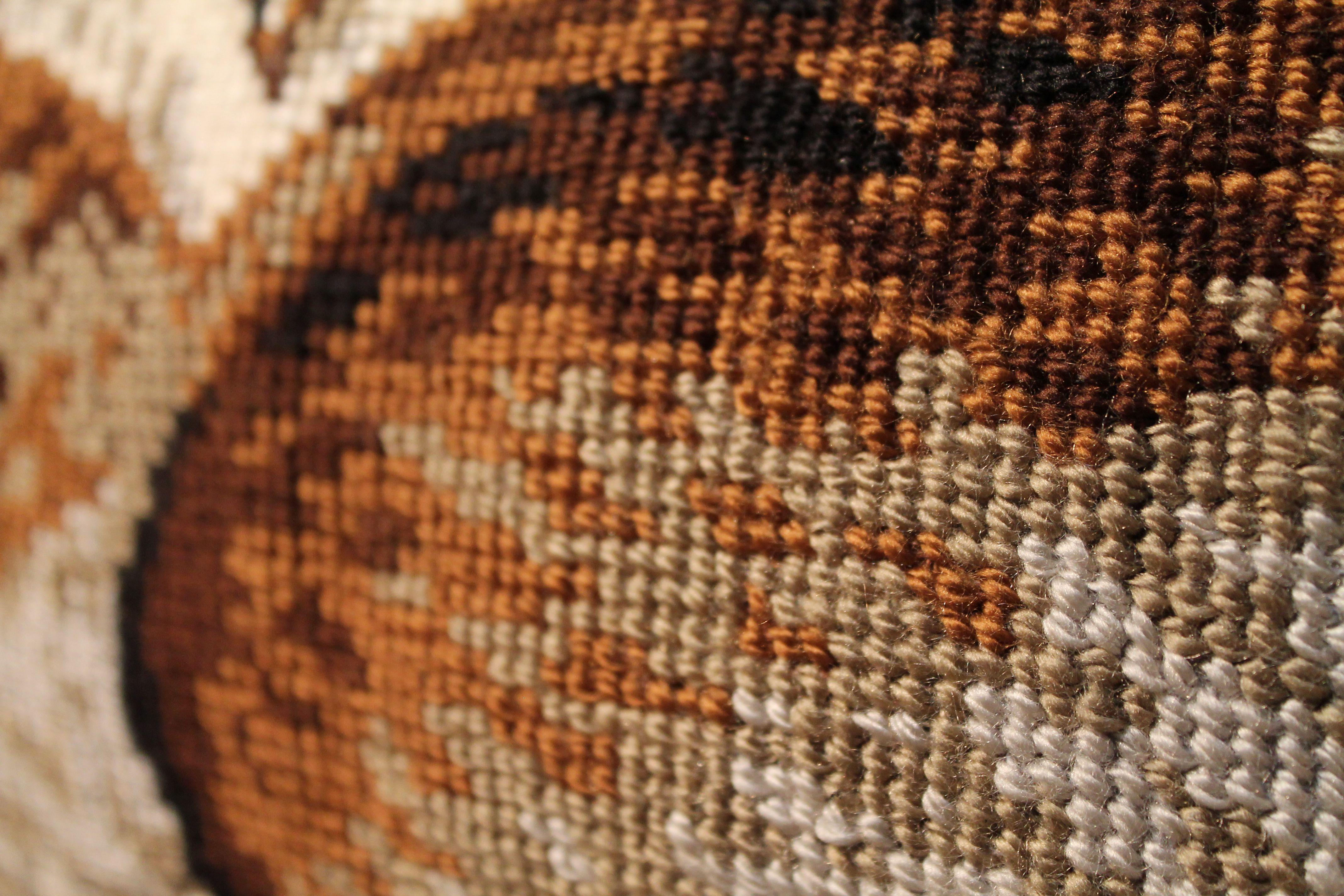 вышивка подушка подарок