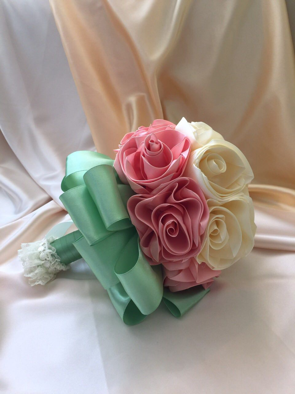 свадьба цветы розы дублер шёлковыеленты невеста букет кружево