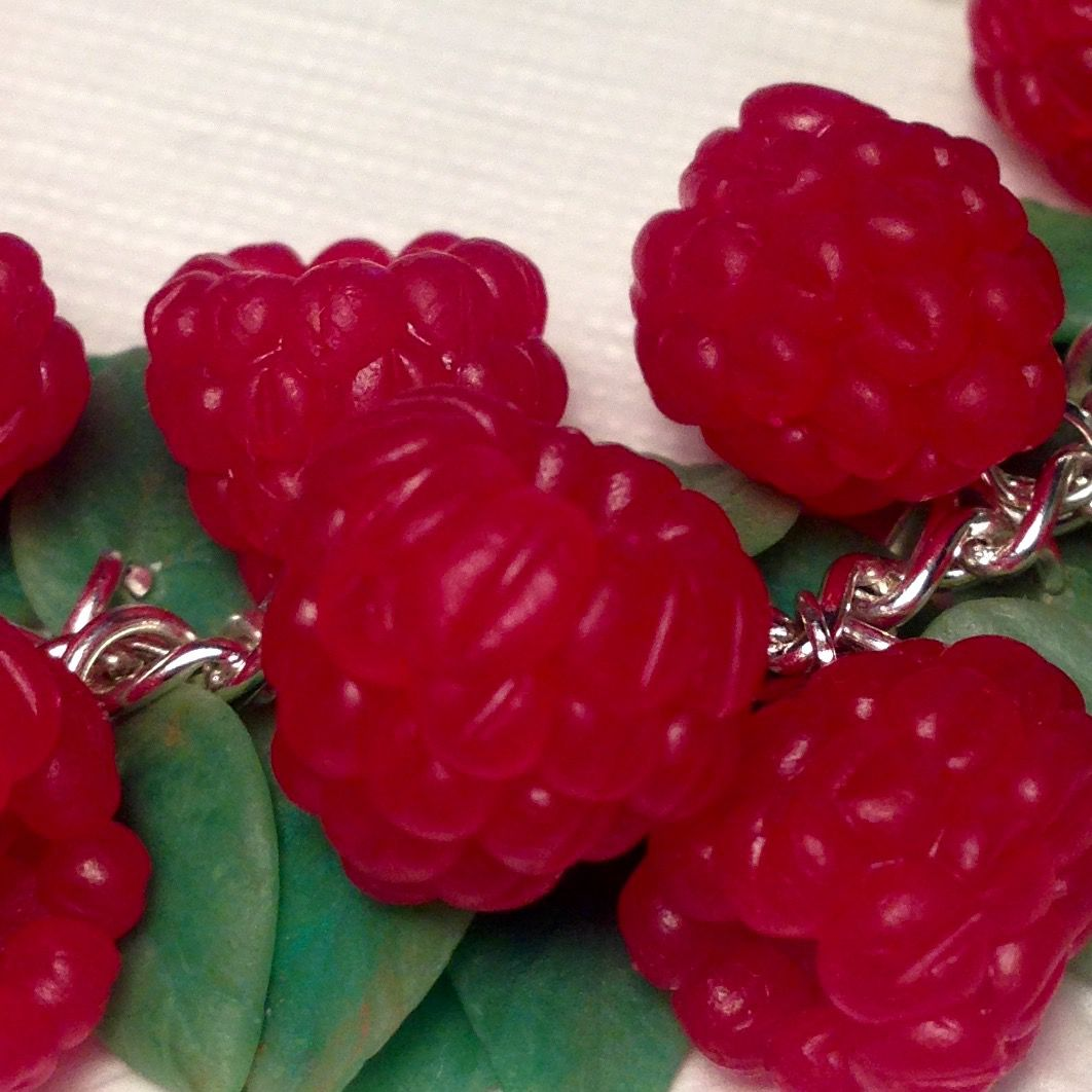 малина украшенияназаказ подарок ручнаяработа малиновый малиновыйбраслет ягодныеукрашения ягодныйбраслет handmade украшения polimerclay полимернаяглина подарокжене