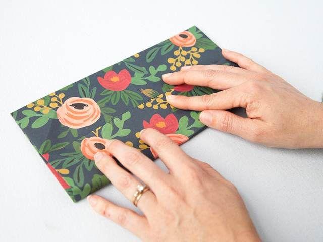 Как сделать подарочную коробку своими руками 11