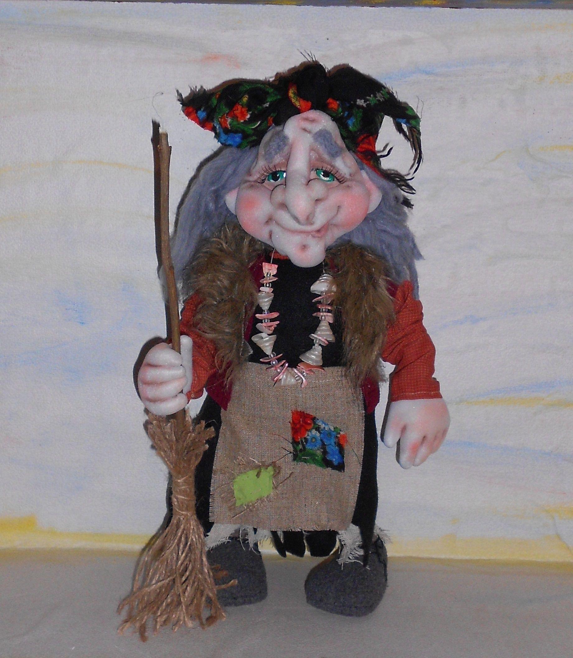 ручная бабкаежка бабаяга чулочная техника оберег работа кукла подарок