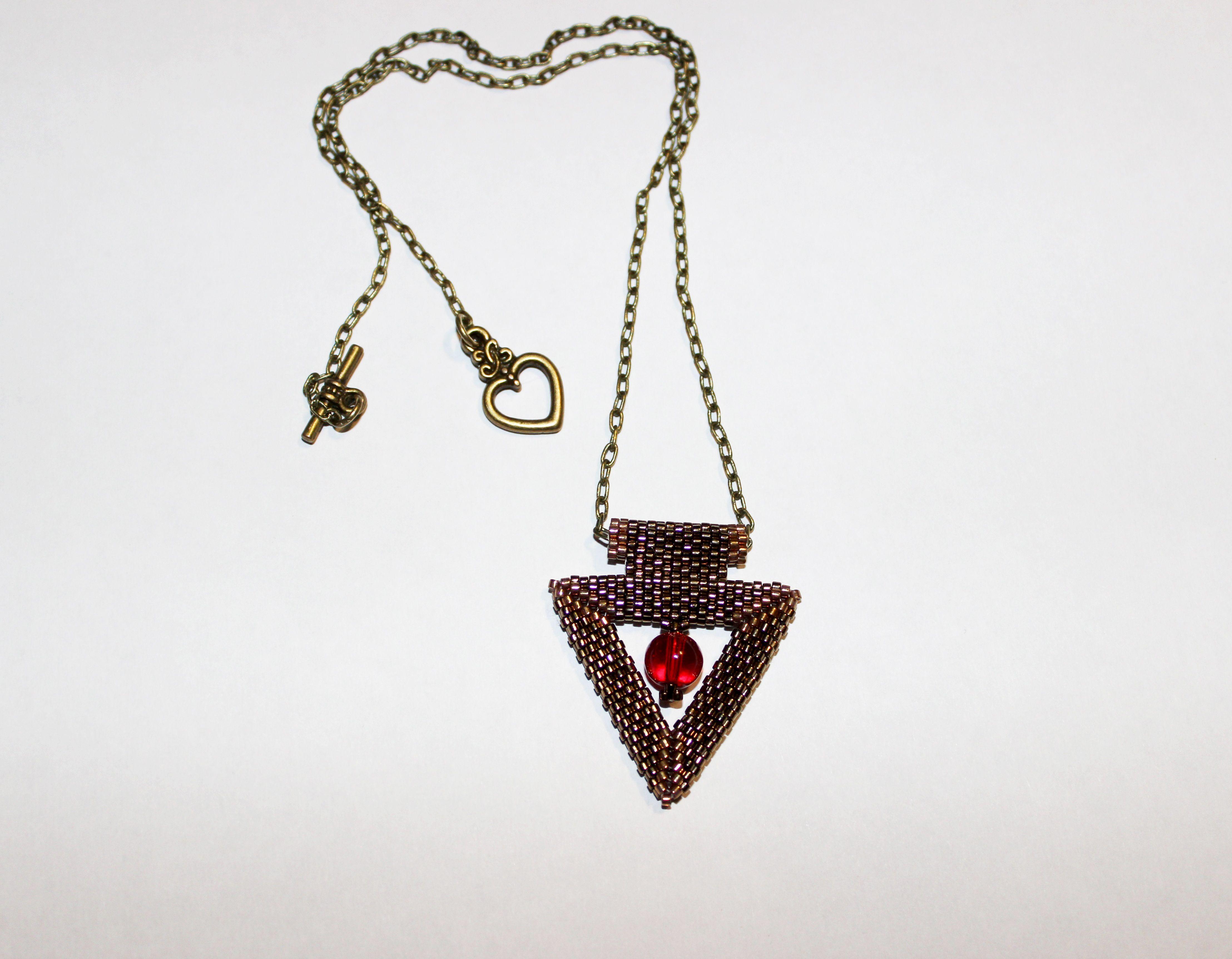бронзовый треугольник кулон бисер бисероплетение украшения подвеска бижутерия