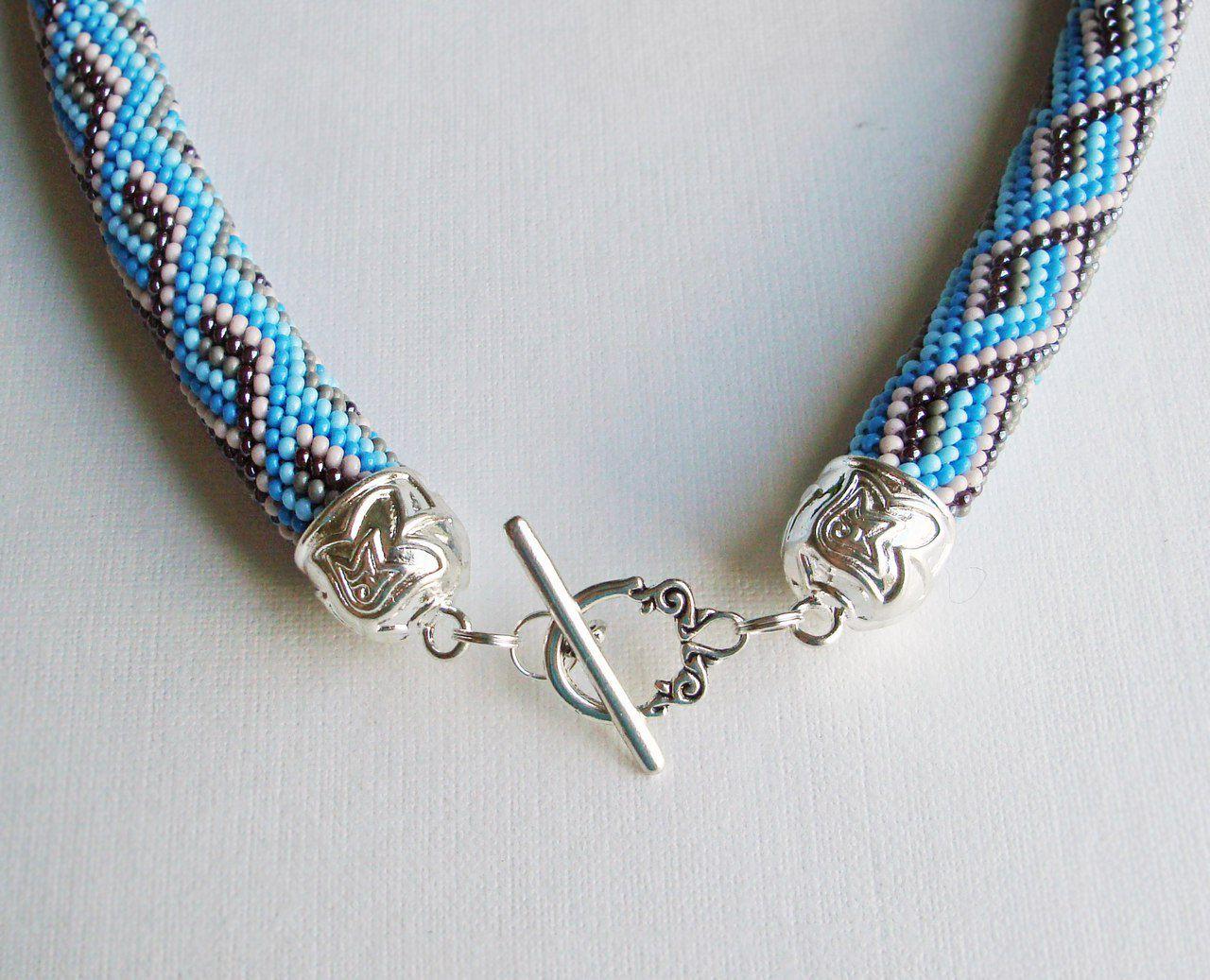 ожерелье вязаный женщине подарок жгут бисер жгуты жгутизбисера кольеизбисера украшение шею колье бисерный ошейник девушке