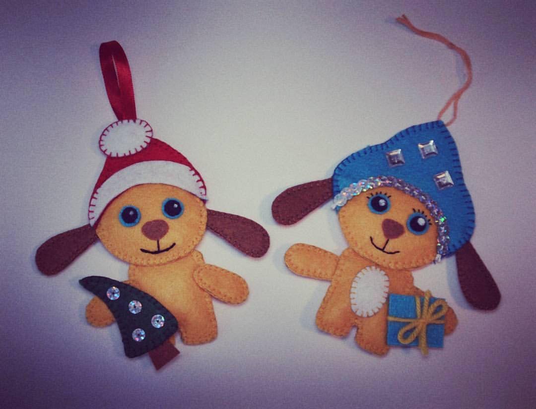ручнаяработа подарок bogiboo годсобаки новыйгод украшение фетр изделиеизфетра сувенир handmade подвеска дедмороз снегурочка