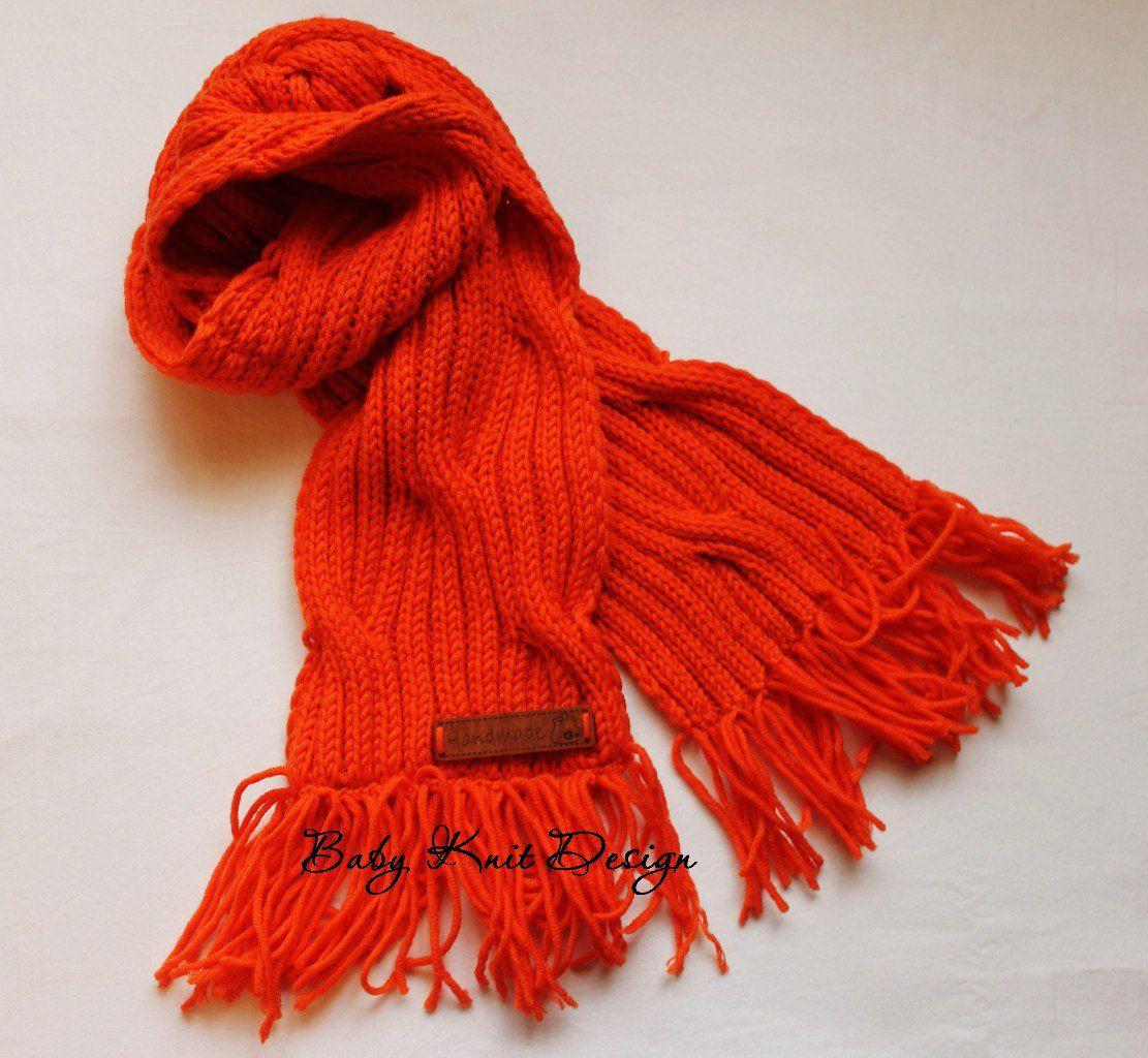 вязаный длядетей теплый комплект шапочка оранжевый спицами шарфик
