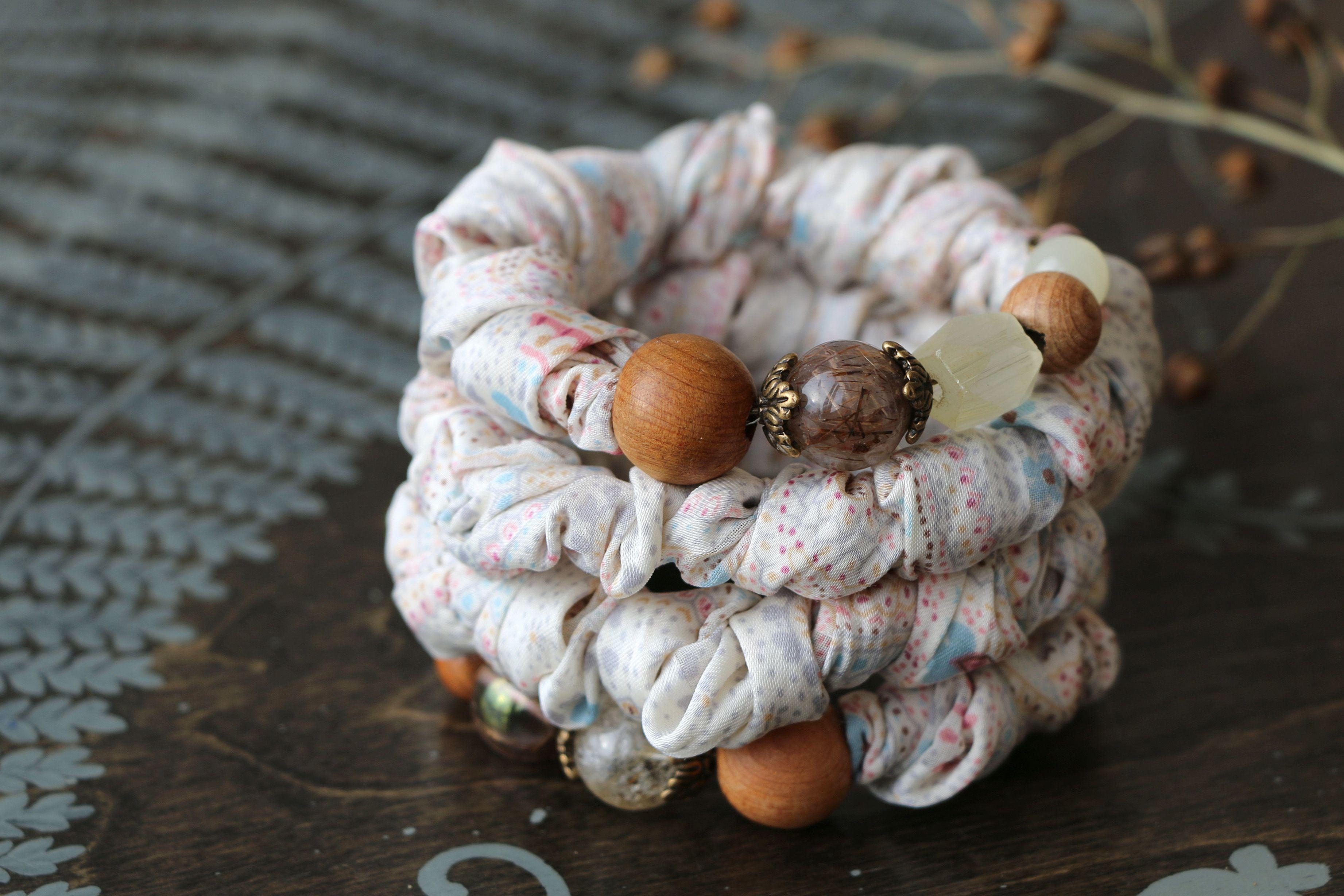 романтичный шелк весенний текстильный жатый винтажный розовый цветение бежевый голубой браслет
