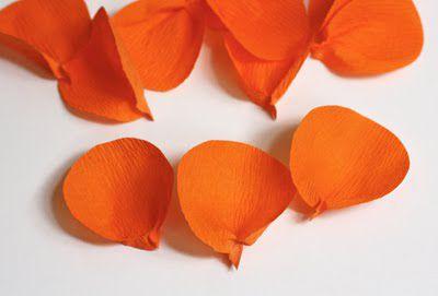 Цветы из гофрированной бумаги своими руками 16