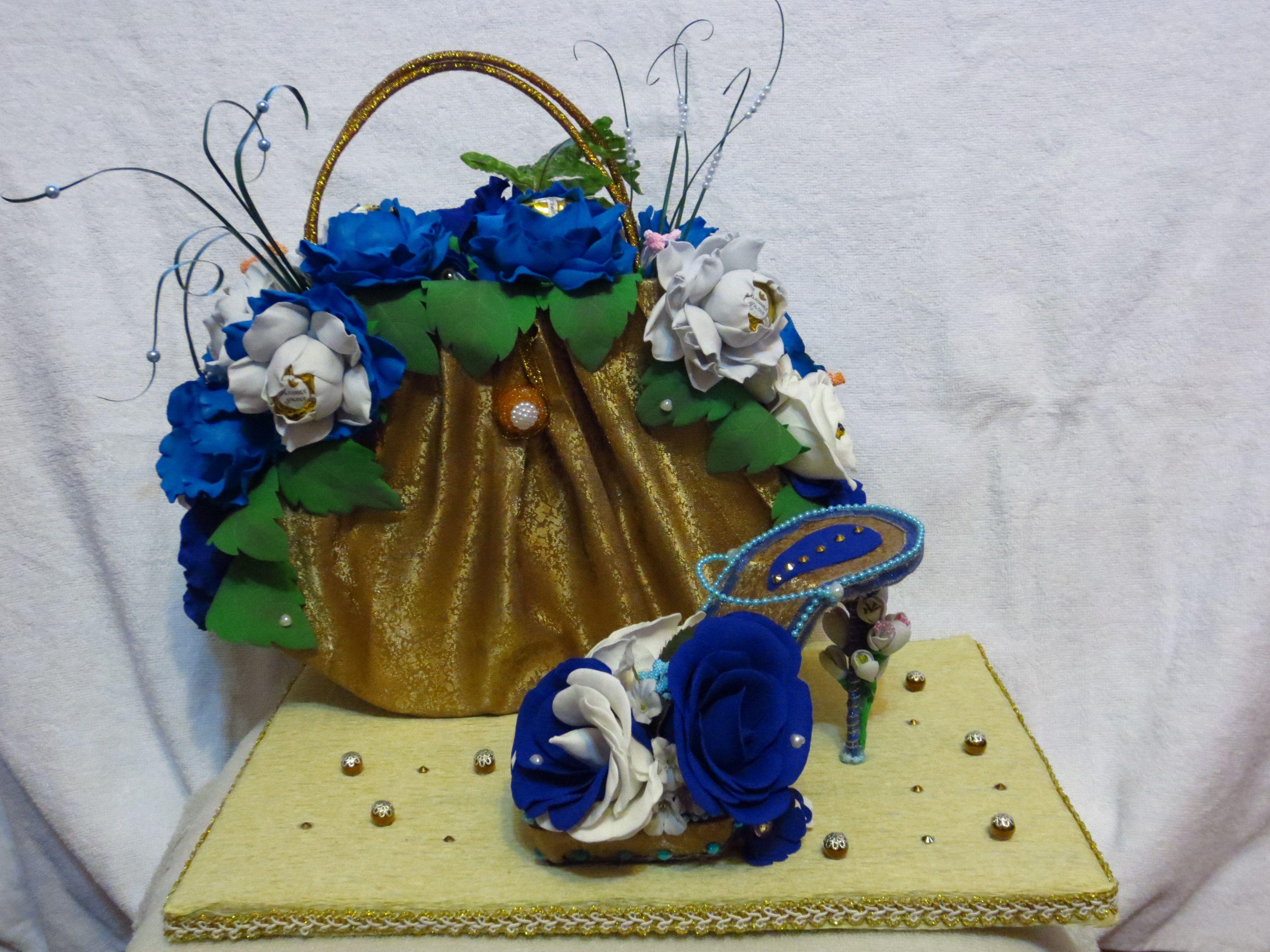 из букеты конфет праздник сумочка цветы подарки