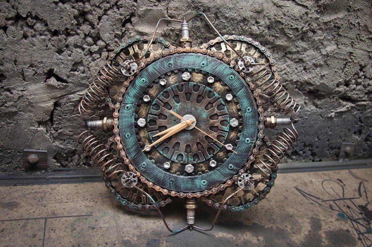купить металлические необычные настенные часы металла