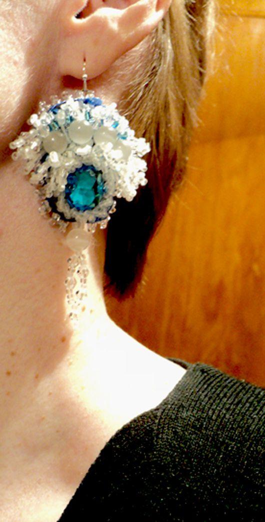яркие эксклюзивный хэндмейд брошь подвеска воронеж купитьсерьги камней модныесерьги кристаллы авторские натуральные своимируками работа разноцветный бисер броши украшения колье кулон бусы ручной длинные бижутерия бусина бусины хрусталь творчество говлит чешский подарок вышивка handmade своими серьги ручная подарки заказ назаказ праздник для бордовый модныйбраслет цветы агат комплект ожерелье жемчуг аксессуары камни продажа модно бисероплетение украшение ручнаяработа браслет бисером