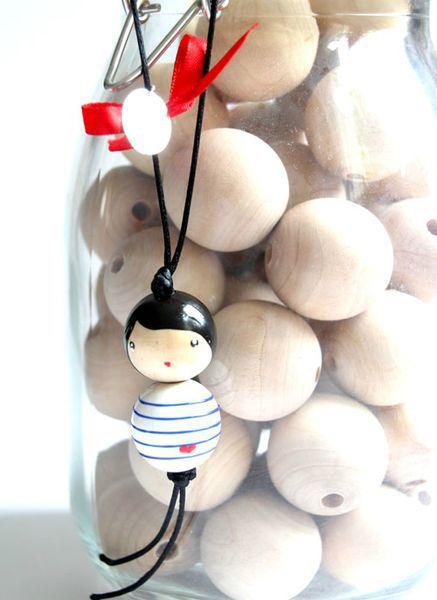 руками из брелки брелок деревянных бусин идеи подарки своими
