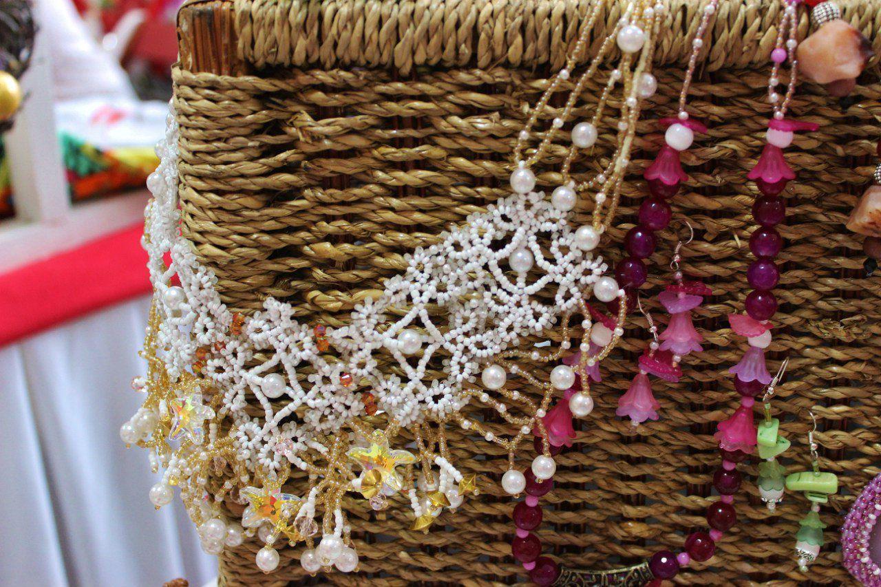 авторскаяработа снежинка бисер зимнееожерелье ожерельессерьгами ожерельеручнойработы