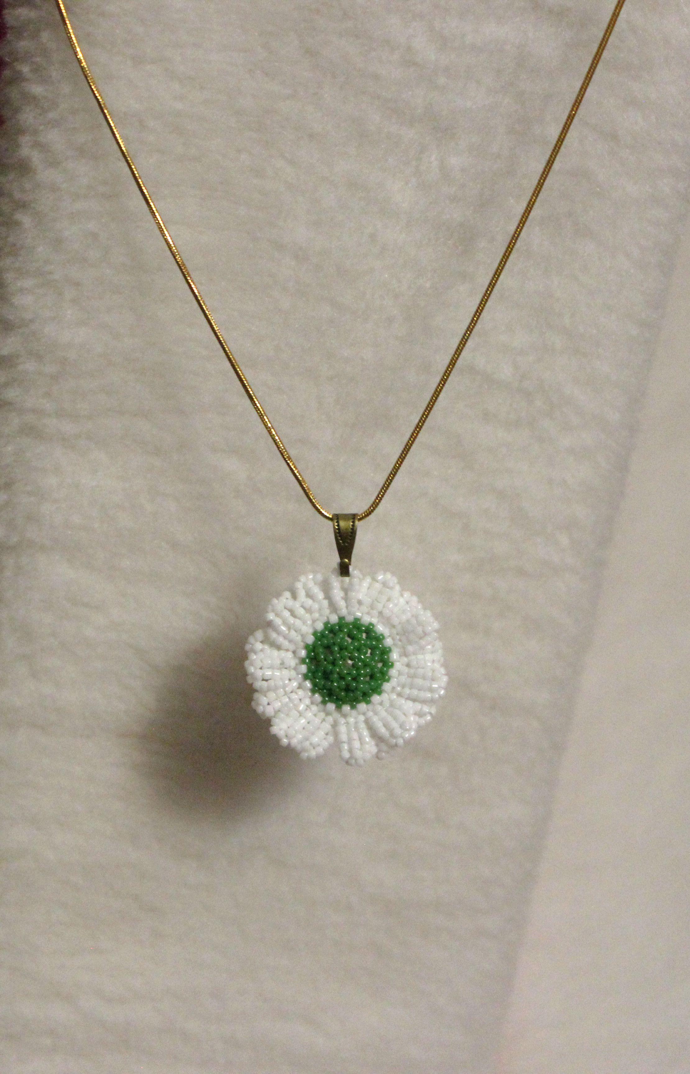 зеленый бисер кулон сваровски цветок желтый кристалл украшения подвеска ромашка белый бижутерия