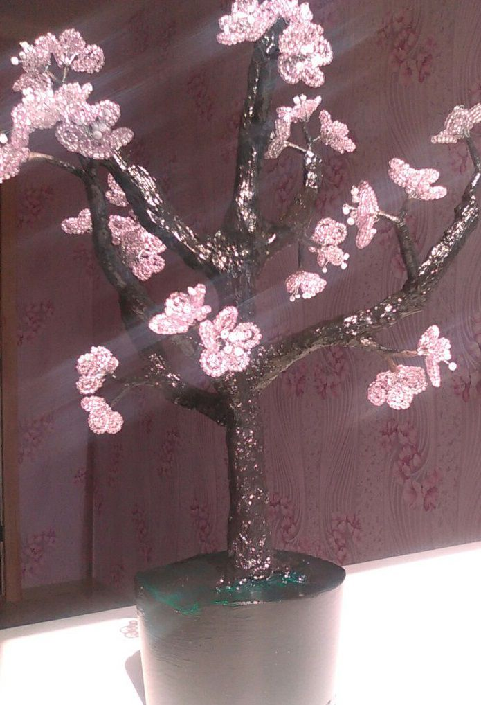 дерево цветущее избисера цвет