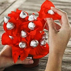 Букеты из конфет своими руками 7