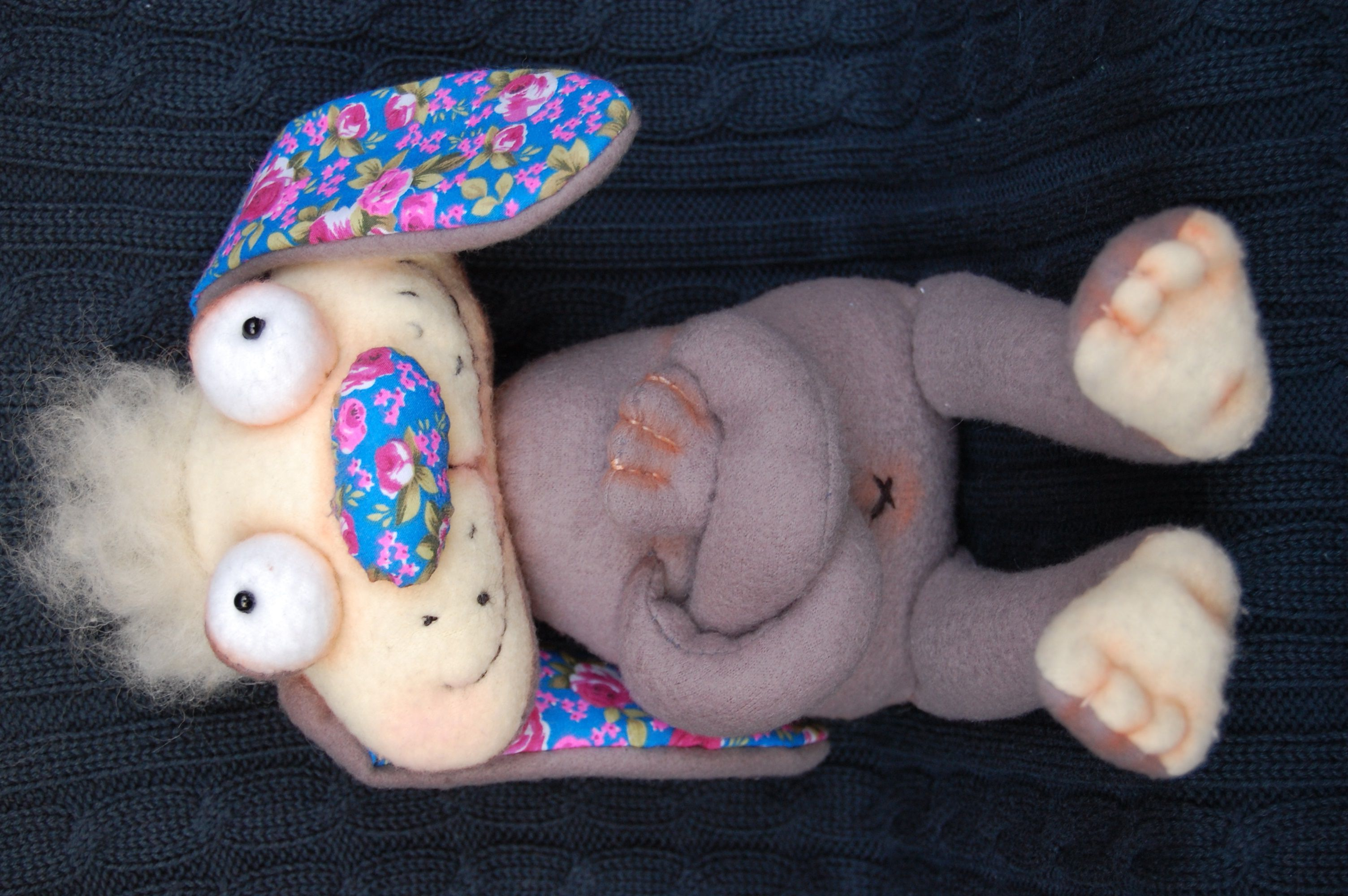 авторская игрушка работа ручная кролик позитив подарок чаепитие