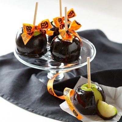 уют праздник хэллоуин декор дом своимируками сделайсам оформление карамель идея креатив праздничныйстол сладко вкусно креативнаяидея еда чернаякарамель яблоки