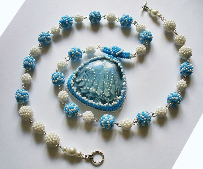 кабошон лавкалисицы бисер handmade ручнаяработа белый колье голубой