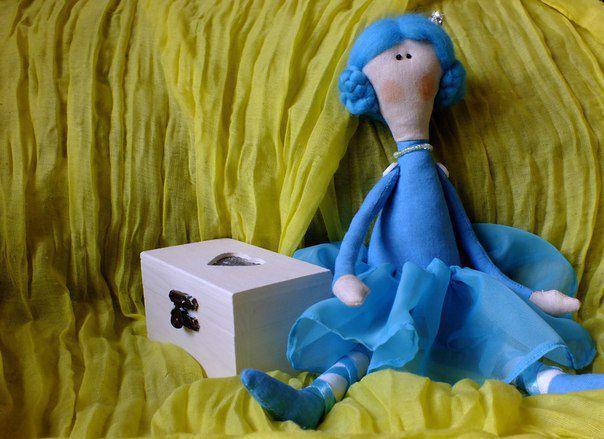 подарок кукла корона тильда принцесса голубыеволосы