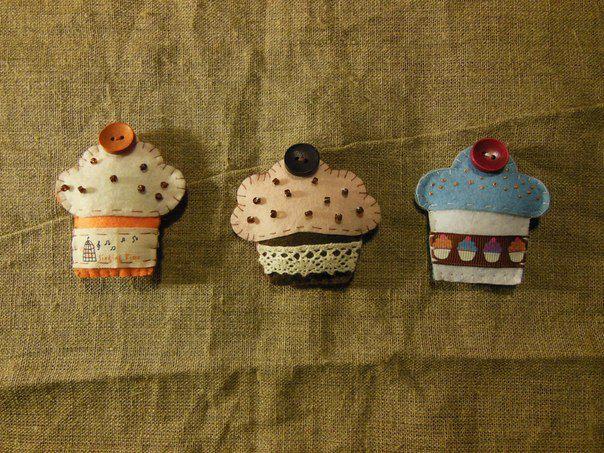 пирожные украшения броши фетр