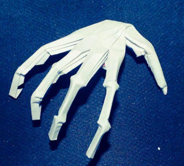 Как сделать руку из бумаги 2