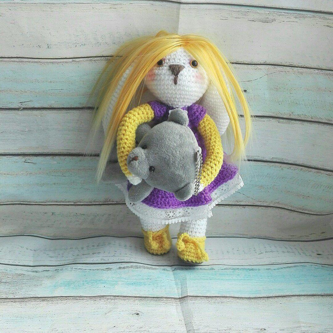 авторская игрушка кукла подарокдевушке купитьигрушку зайкаводежде вязаныйзаяц красотка зайкабум малышка заяц куколка зайкасволосами лучшийподарок зайка подарок