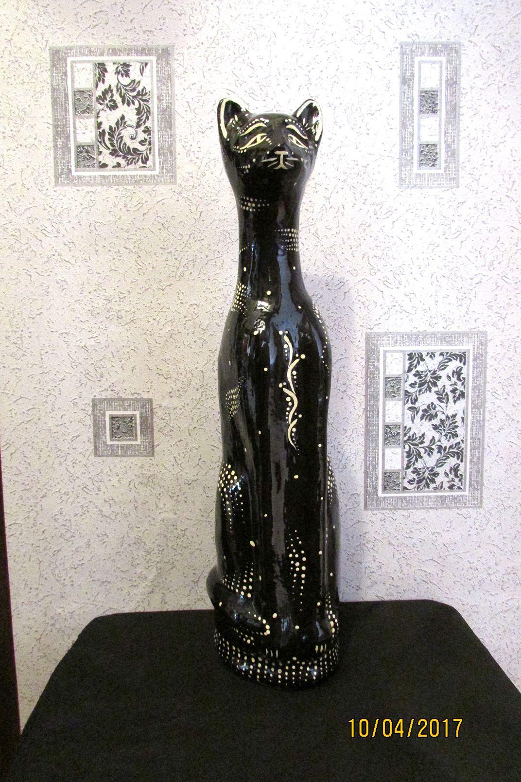 высокий чернобелое лунный статуэтка черный кот