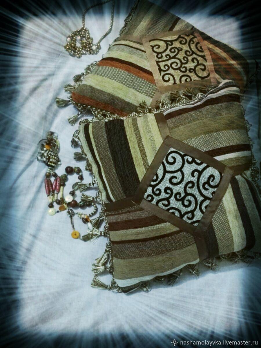 прихожая пуфик диван мебель интерьер кровать спальня длядома кресло гостиная подушки