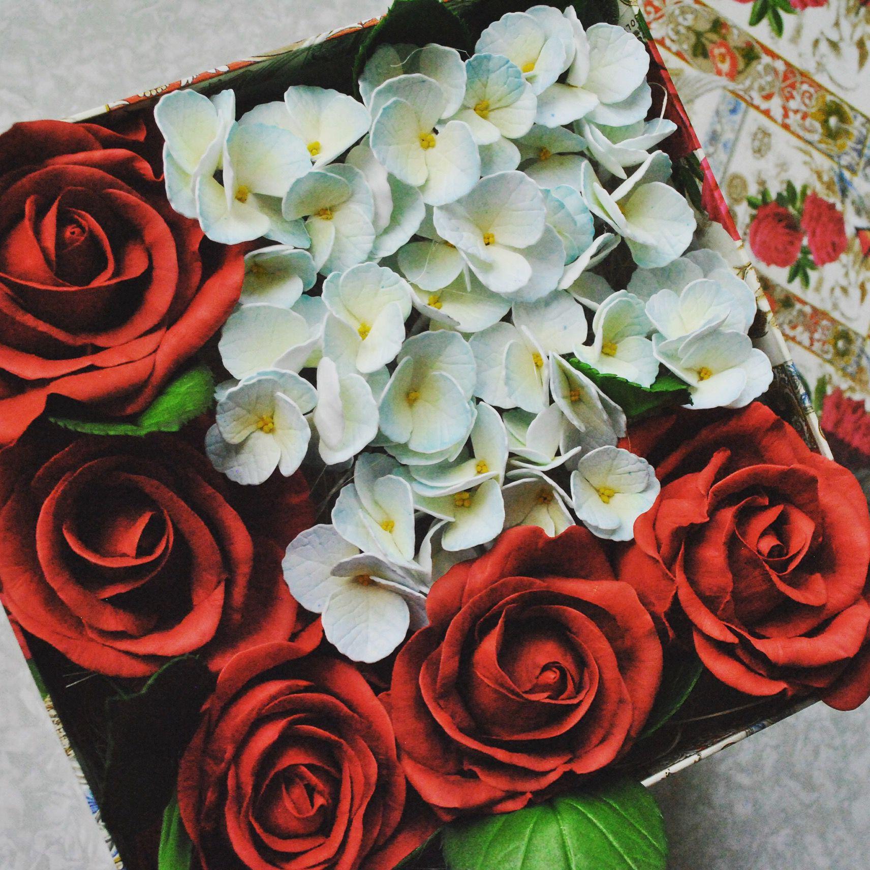 фоамиранподарок цветы руками своими