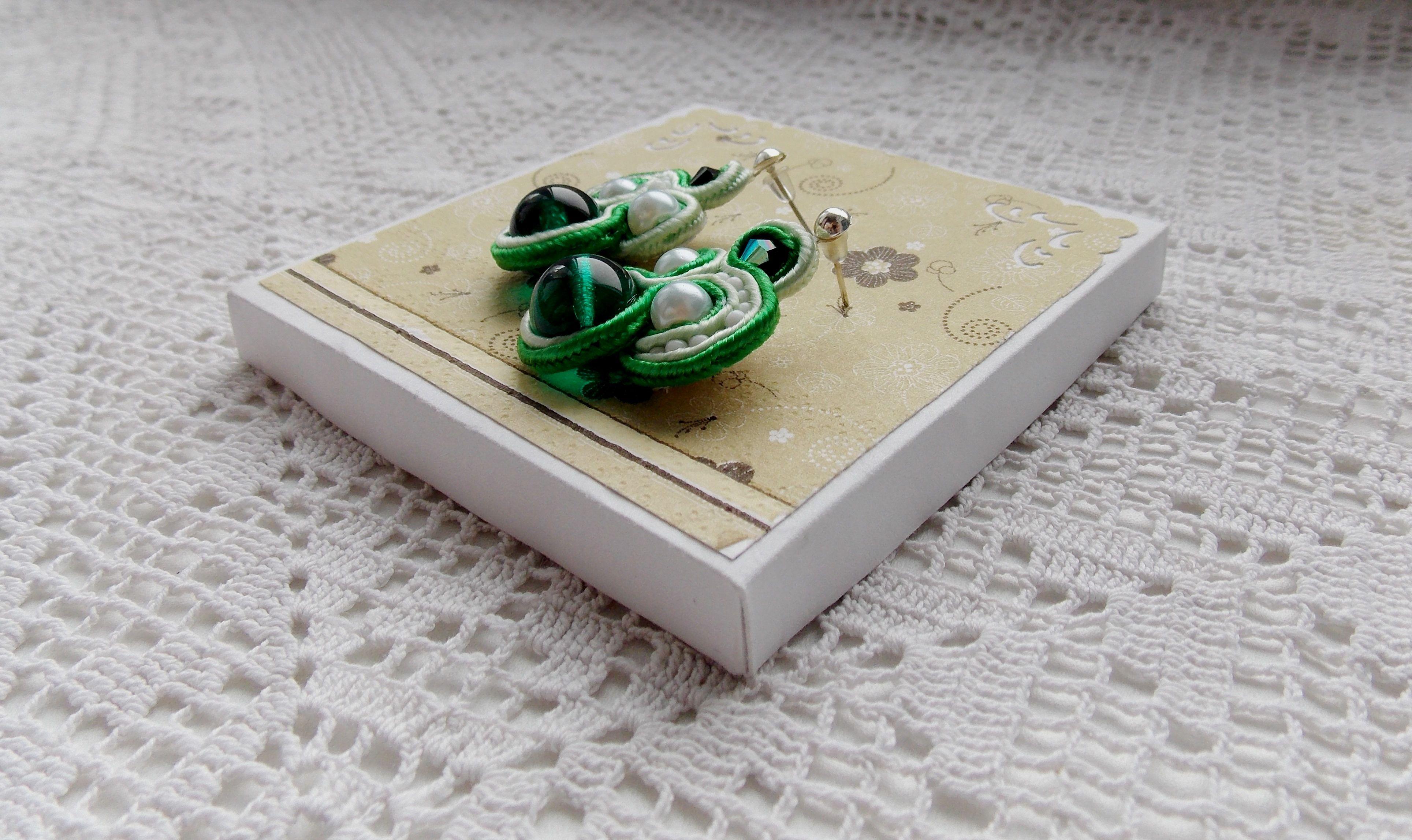 чешского бисер сутаж серьги из чешский бусины гвоздики белый стекла зеленый