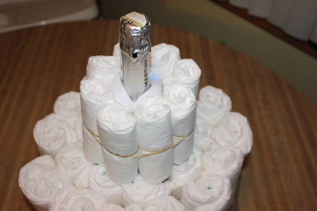 Торт из памперсов своими руками 7