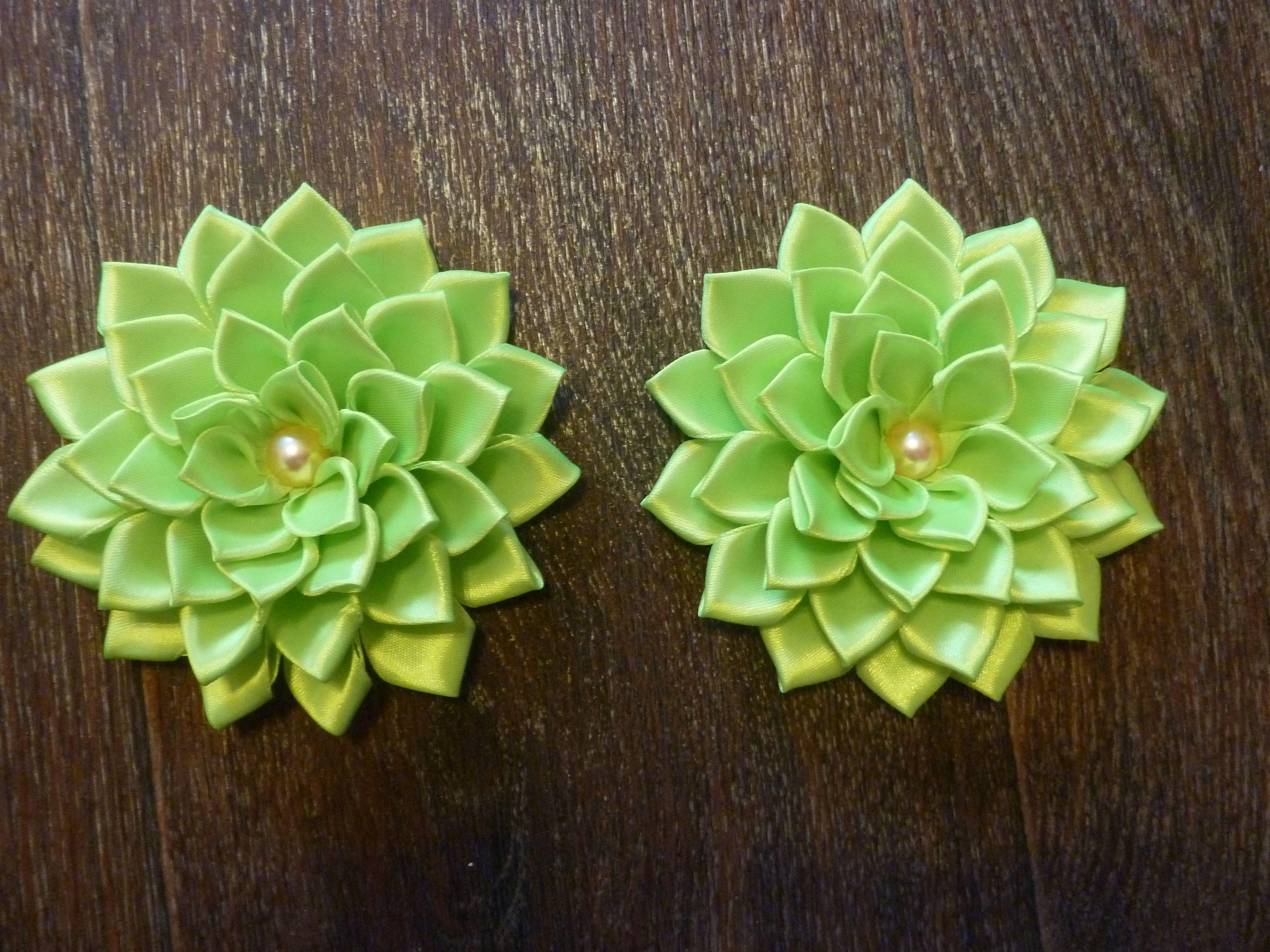 георгины. лента празднику к атласная канзаши цветы