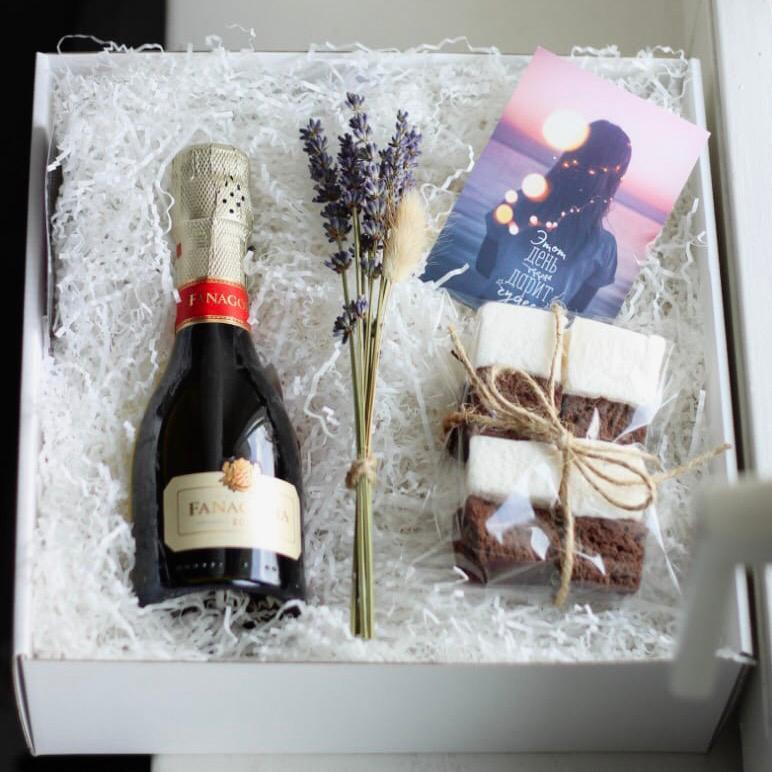 бокс маршмеллоу подарочный подарок шампанское лаванда