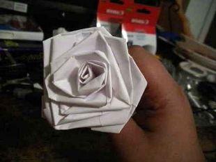 Розы из бумаги своими руками 10
