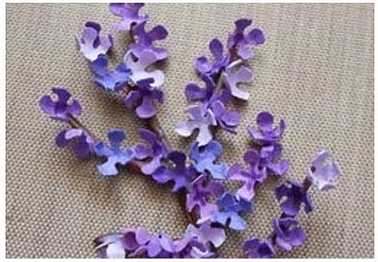 Цветы из бумаги своими руками 12
