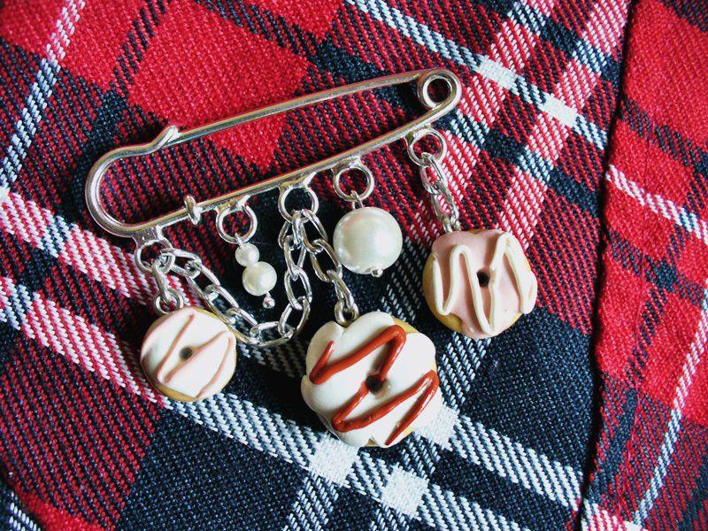 ручнаяработа брошь handmade полимернаяглина лавкалисицы пончики