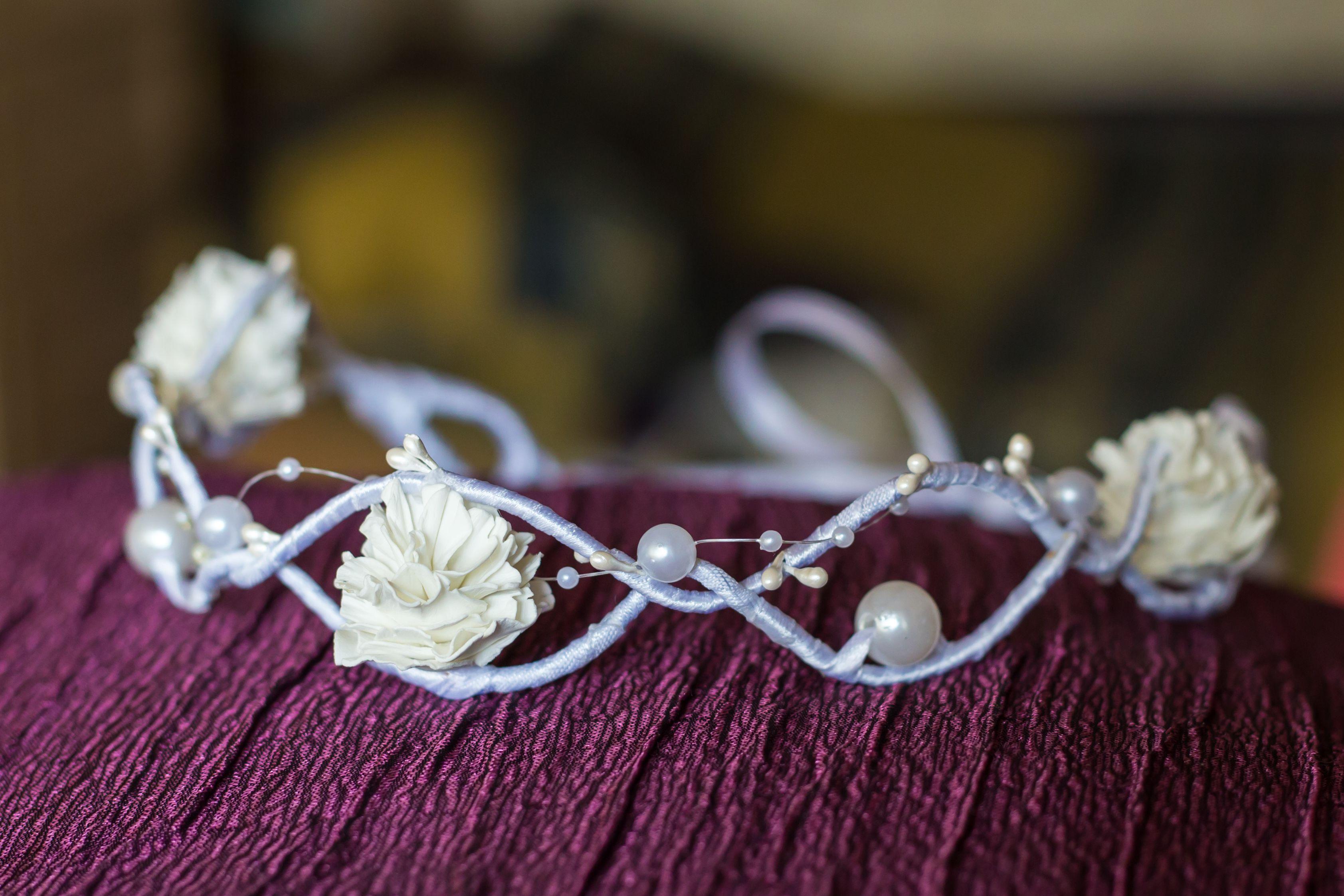 фоамиран нежный белый свадебный атлас красивый венок бусины тычинки цветы