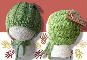 Моя первая шапочка (чепчик для новорожденной)