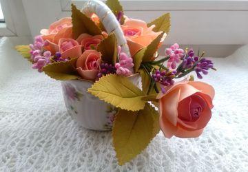 Вазочка с розами