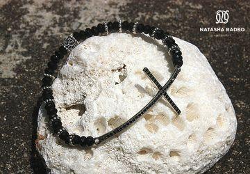 Браслет на резинке из натуральных камней