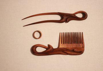 """Деревянный набор для волос """"Орех""""."""