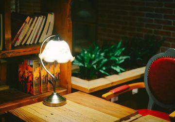 Как сделать своими руками настольную лампу