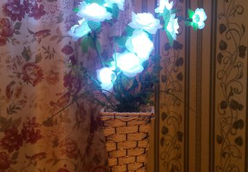 """Светодиодный светильник """" Белые розы""""."""