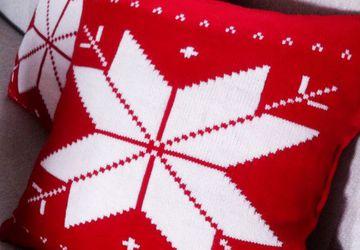 """Новогодняя Рождественская подушка """"Норвежская снежинка"""""""
