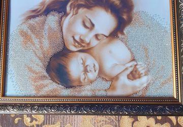 Мать с младенцем